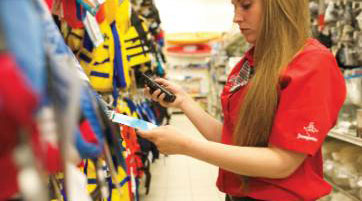 THE-THREE-MOST-IMPORTANT-THINGS-TO-GET-HOLIDAY-SHOPPERS-INTO-YOUR-STORE_-EXPERIENCE,-EXPERIENCE,-AND-EXPERIENCE.